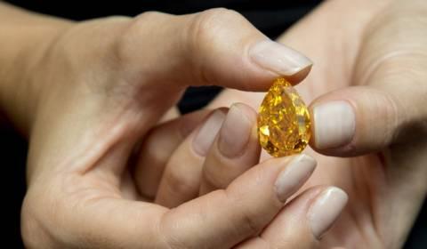 Τιμή ρεκόρ για σπάνιο πορτοκαλί διαμάντι!