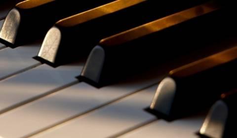 Απίστευτο! Πιανίστρια κατηγορείται  για «ηχορύπανση»