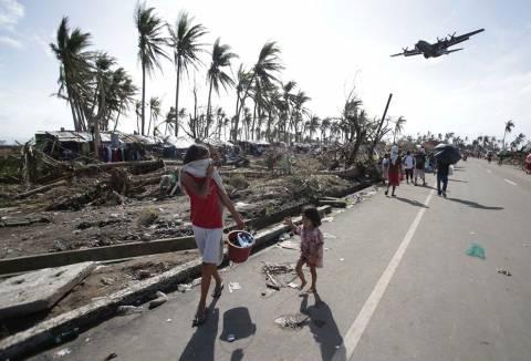 Ο ΟΗΕ κάνει έκκληση να επιταχυνθεί η βοήθεια στις Φιλιππίνες