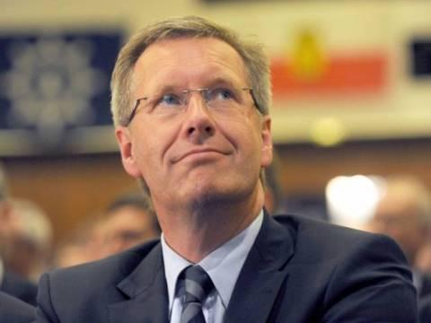 Βούλφ:  Θα αποδειχθούν ψευδείς οι κατηγορίες για δωροληψία