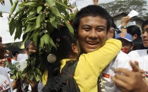 Απελευθέρωση 69 πολιτικών κρατουμένων στη Μιανμάρ