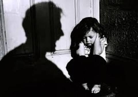 Ανάδοχοι γονείς κακοποιούσαν τα 5 παιδιά τους!