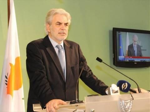 «Λάβαρο του αγώνα για επανένωση της Κύπρου το Πολυτεχνείο»