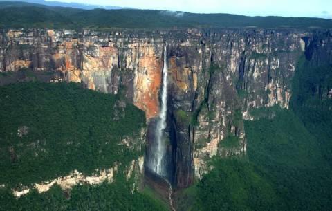 Ο ψηλότερος καταρράκτης της Γης είναι... (pic/vid)