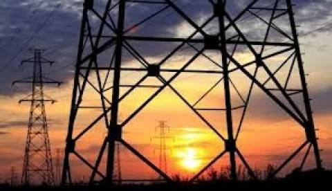 Χαμηλότερα τιμολόγια για το ηλεκτρικό ρεύμα ζητά η βιομηχανία