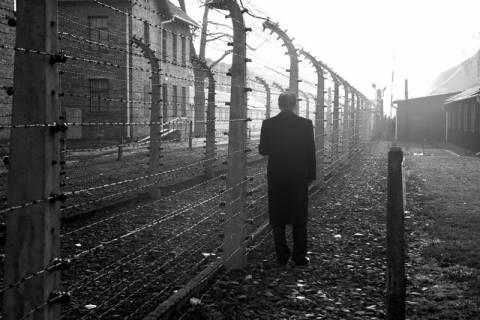Στο στρατόπεδο συγκέντρωσης του Άουσβιτς ο Μπαν Κι-μουν