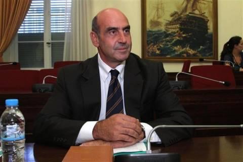 Η «πράσινη» υπουργός και τα παλαμάκια στον Βουλγαράκη
