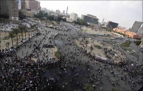Πλατεία Ταχρίρ: Δακρυγόνα χρησιμοποίησε η αστυνομία στους διαδηλωτές
