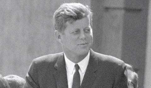 Συνέντευξη Τάμπλοτ: CIA και Μαφία δολοφόνησαν τον Τζον Κένεντι