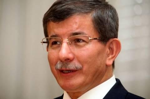 Διέψευσε ο Νταβούτογλου ότι δήλωσε περήφανος για τις διαδηλώσεις