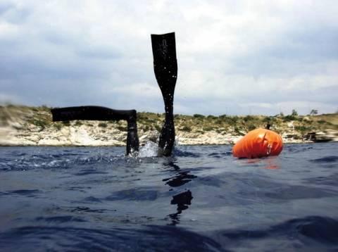 Καταργούνται οι άδειες ερασιτεχνικής αλιείας