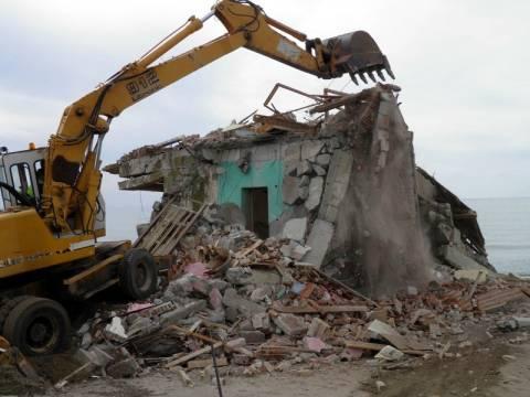 Ξεκινούν κατεδαφίσεις αυθαιρέτων σε Μύκονο και Αιτωλοακαρνανία