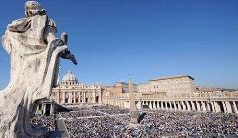 Για πρώτη φορά το Βατικανό παρουσίασε τα λείψανα του Αγίου Πέτρου