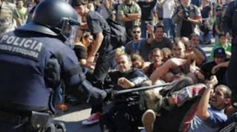 Ισπανία: Διαδηλώτρια έχασε το μάτι της από χτύπημα αστυνομικού