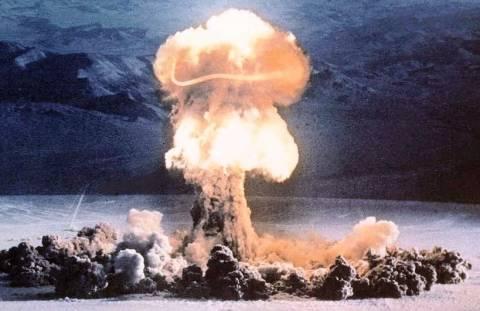Πόσες πυρηνικές βόμβες χρειάζονται για να σταματήσει η τροχιά της Γης;