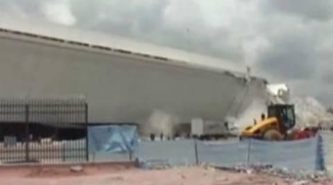 Βίντεο: Η στιγμή της κατάρρευσης της στέγης γηπέδου στη Βραζιλία