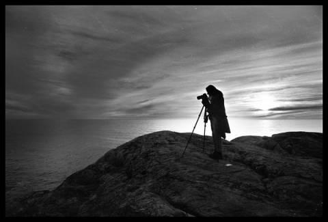 Κάμερα τραβά πεντακάθαρες φωτογραφίες μέσα στο σκοτάδι!
