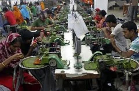 caed6387dcde Μπαγκλαντές: Kάηκε ολοσχερώς εργοστάσιο ρούχων με επώνυμες μάρκες -  Newsbomb - Ειδησεις - News