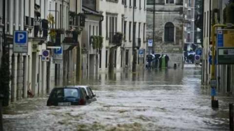 Συναγερμός στην Ιταλία για τις καταιγίδες