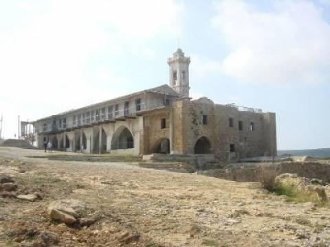 Κύπρος: Λειτουργία στο κατεχόμενο μοναστήρι του Αποστόλου Ανδρέα