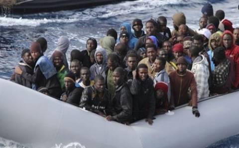 Ακυβέρνητο πλοίο με 100 λαθρομετανάστες ανοικτά της Καλαβρίας