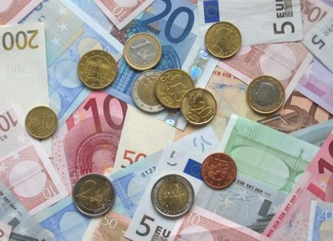 Οριακά εμπιστεύονται οι Αυστριακοί το ευρώ