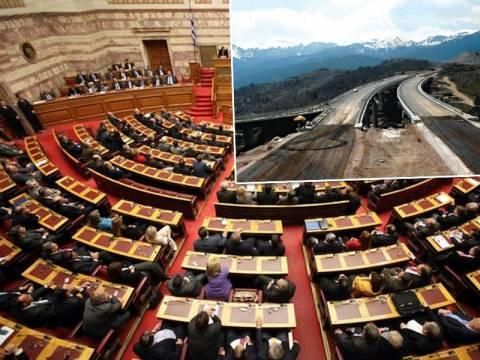 «Φωτιά» στα έδρανα της Βουλής λόγω διοδίων και δρόμων