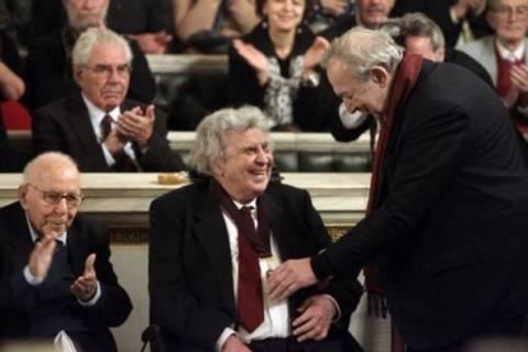 Νέο επίτιμο μέλος της Ακαδημίας Αθηνών ο Μίκης Θεοδωράκης