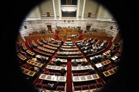 Συνεχίζεται στη Βουλή η συζήτηση για τον προϋπολογισμό του 2014