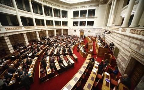 Συνεχίστηκε η αντιπαράθεση στη Βουλή για τον Προϋπολογισμό του 2014