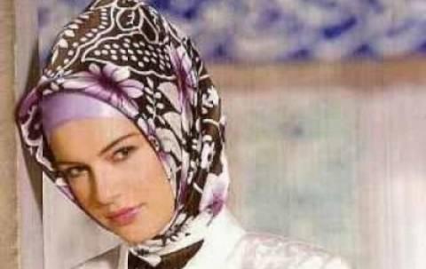Κοσσυφοπέδιο: Εκστρατεία για  μουσουλμανική μαντήλα στα σχολεία