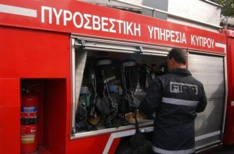 Τώρα: Φωτιά σε υπόγειο στη Βούλα