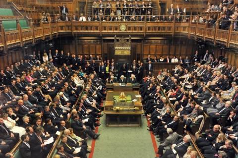 Βρετανία: Οι πολίτες λιτότητα, οι βουλευτές αύξησεις 11%