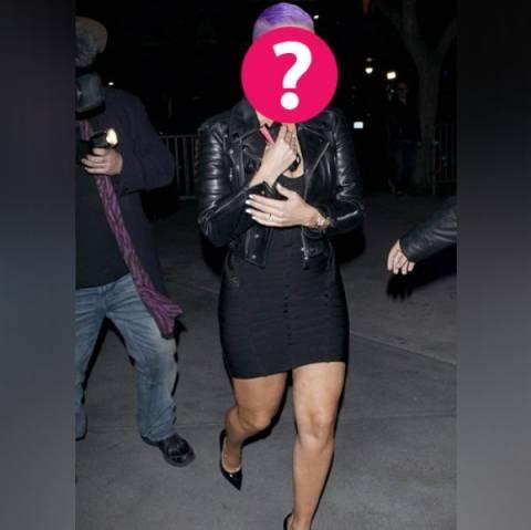 Ποια celebrity έβαψε τα μαλλιά της… μοβ;