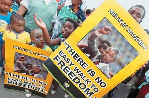 Έριδες για την κληρονομιά του Μαντέλα