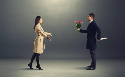 Επτά σημάδια ότι ο σύντροφός σας είναι ψυχοπαθής!