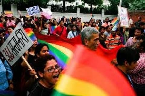 Παράνομη η ομοφυλοφιλία στην Ινδία