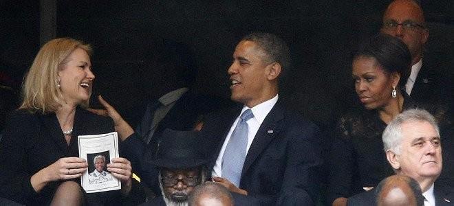 Χαμός στο διαδίκτυο: Φλέρταρε ο Ομπάμα και δείτε τι έκανε η Μισέλ...