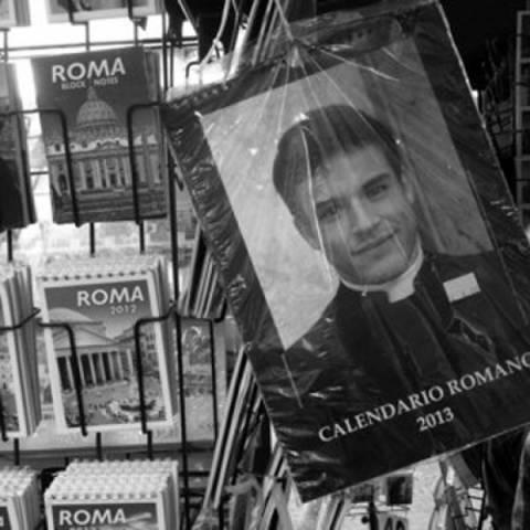 Ιερείς του Βατικανού ποζάρουν σε ημερολόγιο ως μοντέλα (pics)