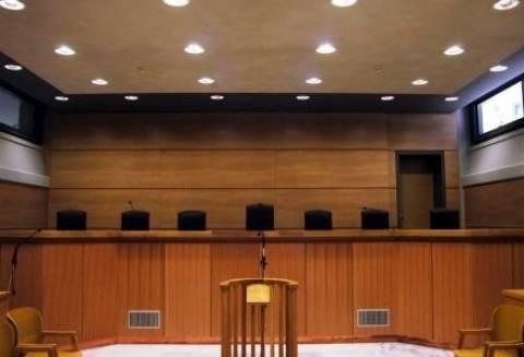 Άμεσα η γνωστοποίηση των διώξεων δημοσίων και δημοτικών υπαλλήλων