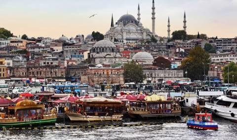 Πλωτά πάρκινγκ στην Κωνσταντινούπολη