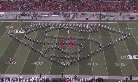 Απίστευτη χορογραφία στο ημίχρονο αγώνα του NFL (βίντεο)