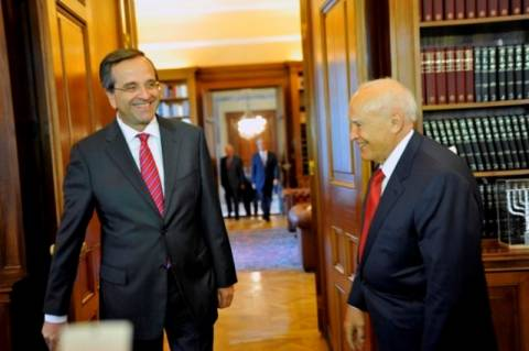 Οι πολιτικές εξελίξεις στο «μενού» της συνάντησης Σαμαρά – Παπούλια