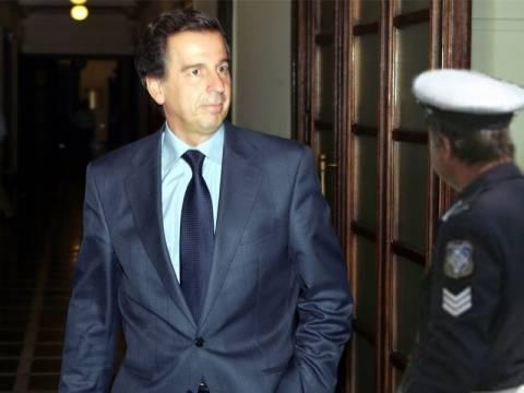 Συνελήφθη ο πρώην υπουργός Μιχάλης Λιάπης (vid)