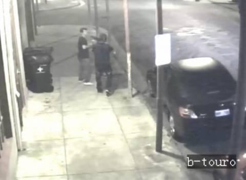 Πήγε να τον ληστέψει υπό την απειλή καραμπίνας αλλά... (βίντεο)