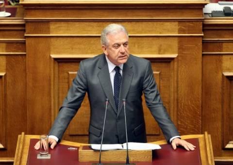 Αβραμόπουλος: Η πρόταση εξεταστικής δεν λύνει το πρόβλημα