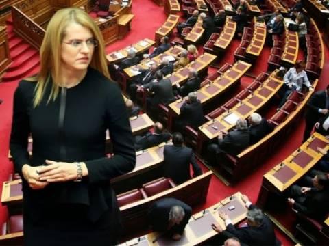 «Υπέρ» της παραπομπής Βενιζέλου ψήφισε η Τζάκρη