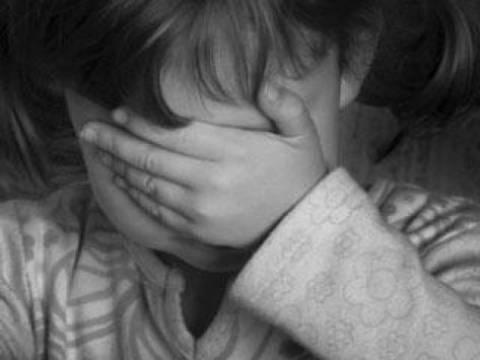 Φρίκη:Στην εντατική 3χρονη που έπεσε θύμα βιασμού από τον...πατέρα της