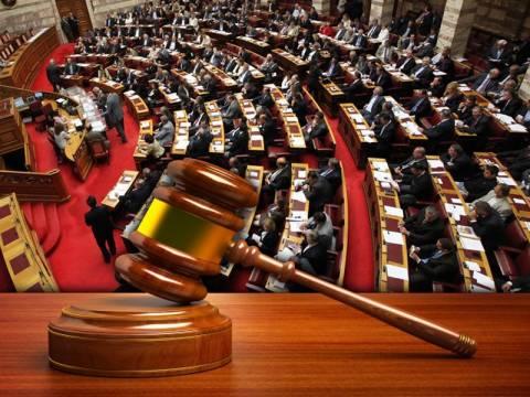 «Ο κύβος ερρίφθη»-Στη Βουλή το νομοσχέδιο για τους πλειστηριασμούς