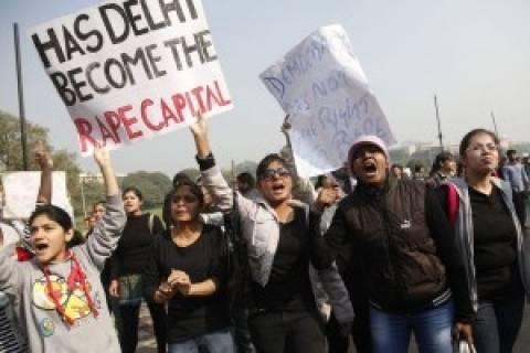 Ινδία: Η κυβέρνηση ζητεί την ακύρωση του νόμου για την ομοφυλοφιλία